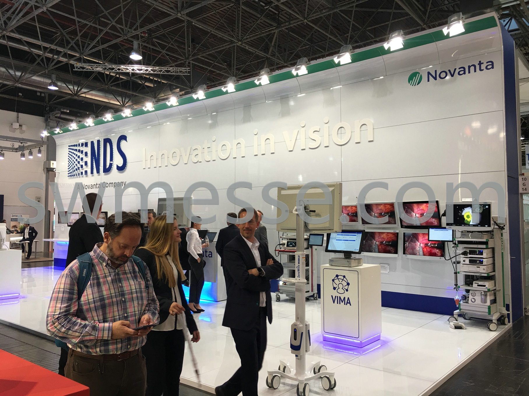 exhibition construction attract customers